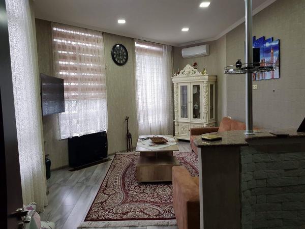 Квартира 3-комн,  80 м²,  7/27 эт.   посуточно