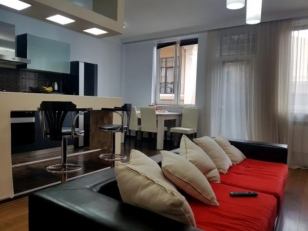 Квартира 3-комн,  105 м²,  3/5 эт.   посуточно