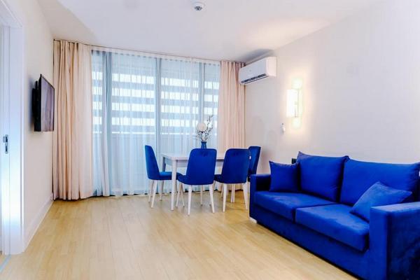 Квартира 3-комн,  58 м²,  30/30 эт.   посуточно