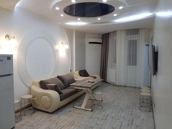 Квартира 3-комн,  60 м²,  12/27 эт.   посуточно