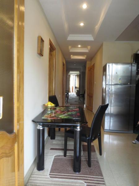 Квартира 4-комн,  140 м²,  3/5 эт.   посуточно